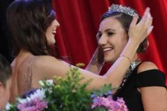 Caroline O'Donnell crowns the 2019 Mary from Dungloe Roisin Maher.